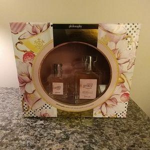 NWT.  Amazing Grace Magnolia Fragrance Set
